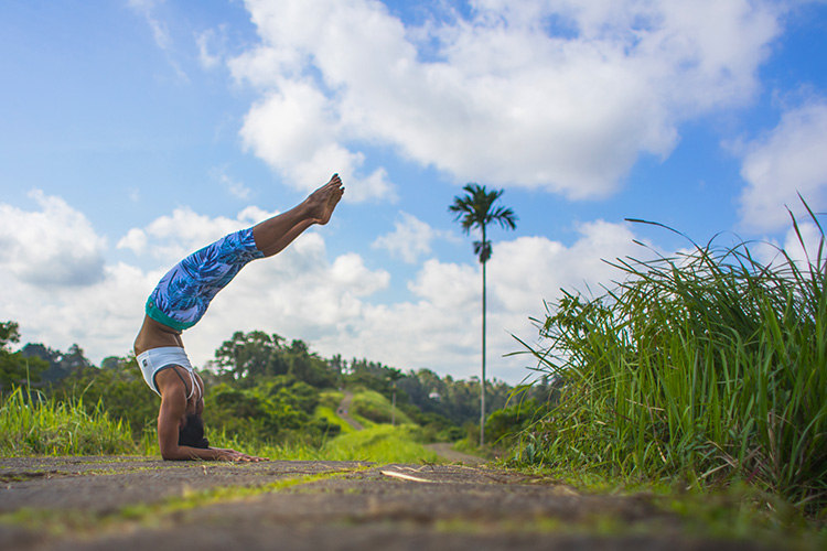 yoga in Bali, pincha hollow back inversion on campuhan ridge walk, Ubud