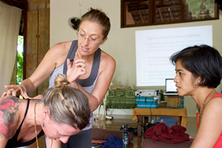 Rachel Ellery teaching anatomy in Bali