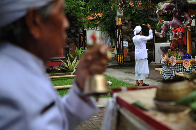 Bali Religion: Finding Balance between Shadow and Light 2