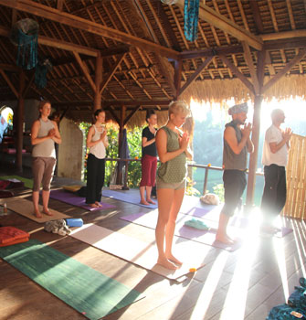 complete holistic yoga teacher training