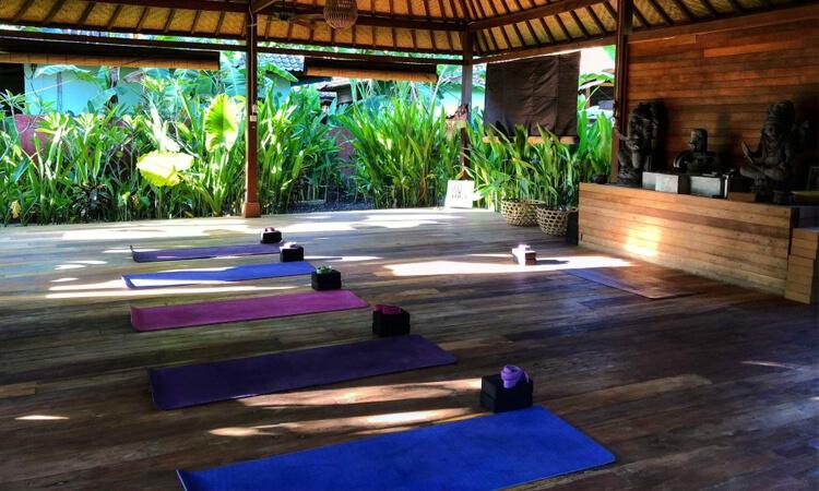 yoga bliss lembongan